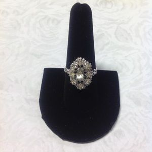 Beautiful 18KHGE Vintage Inspired Cocktail Ring